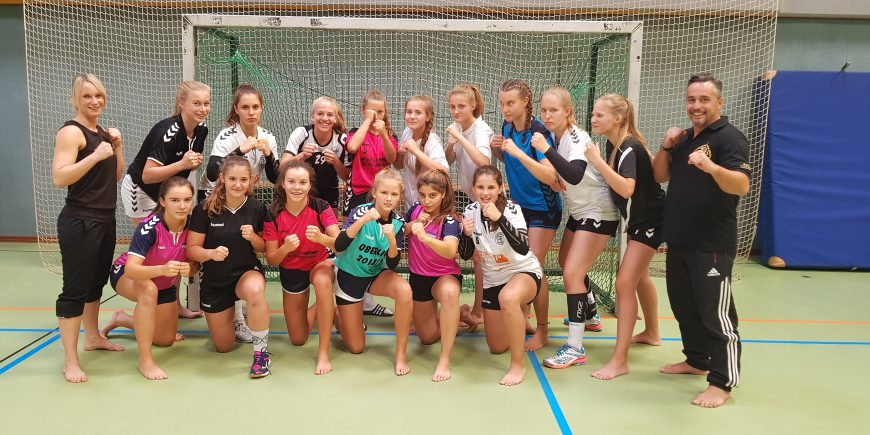 Training mit dem Frauen Handball Team