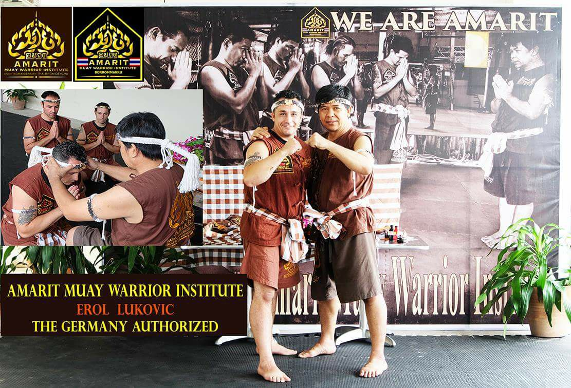 FIGHTHOLICS AMARIT Muay Thai / Kickboxen